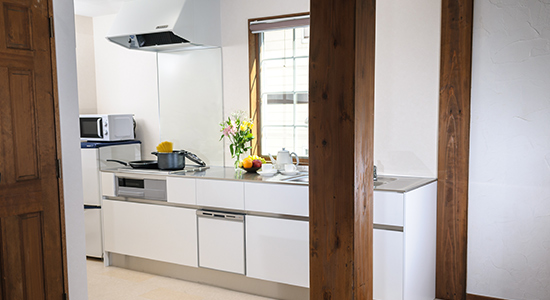 hakuba echoland chalets - deluxe - kitchen