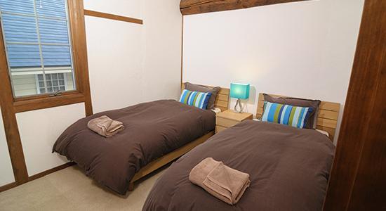 hakuba echoland chalets - deluxe - bedroom