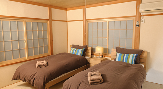 hakuba echoland chalets - luxury - bedroom